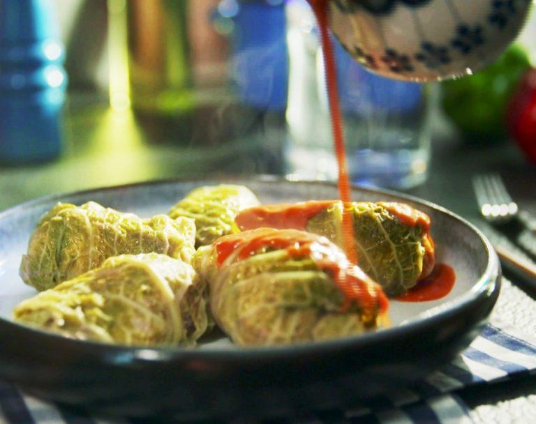 Sekrety Polskiej Kuchni: Gołąbki w sosie pomidorowym