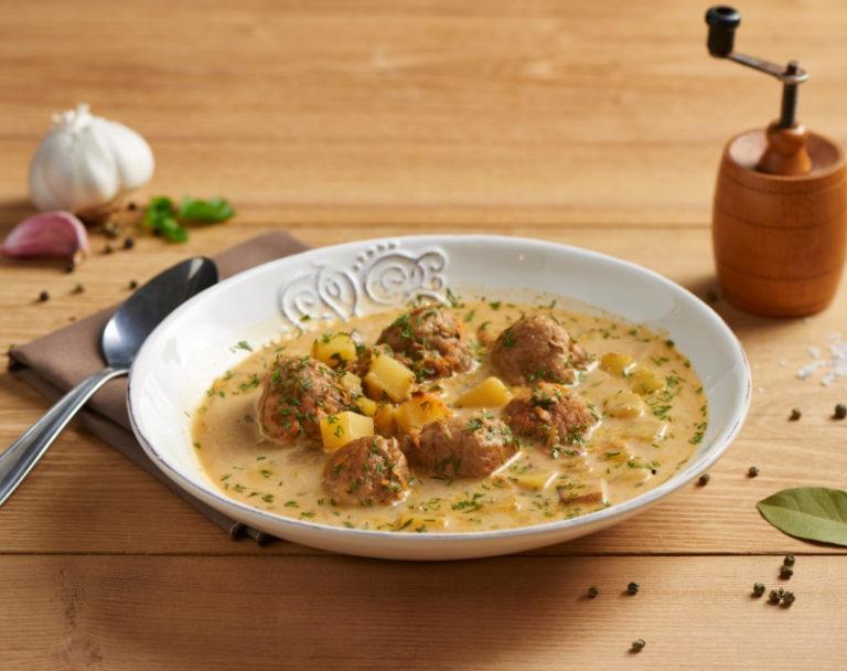 Zupa klopsowa z koperkiem i ziemniakami