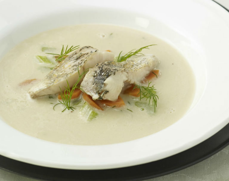 Wigilijna zabielana zupa rybna