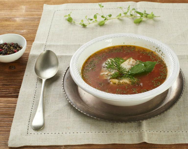 Wigilijna zupa rybno-pomidorowa