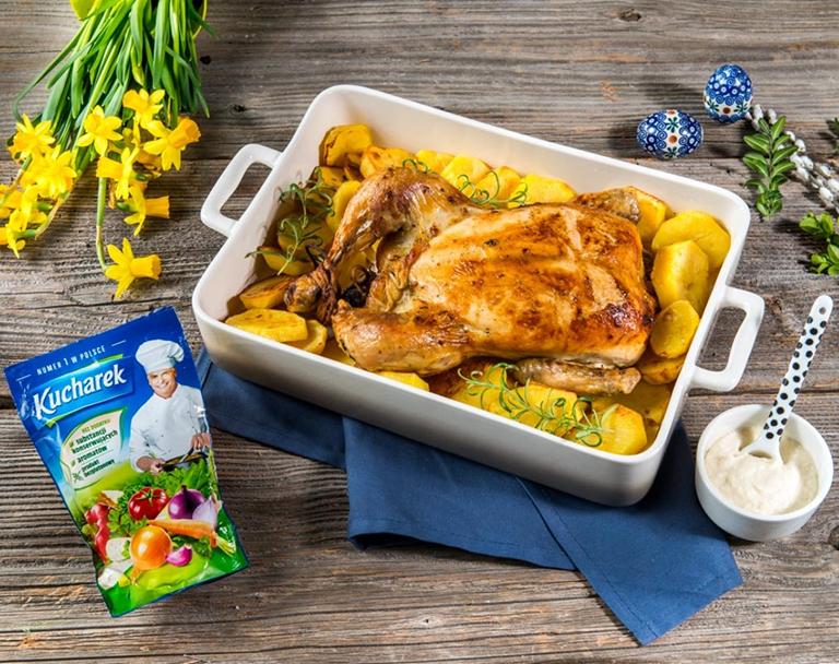 Pečené kuřecí maso s bramborovými plátky