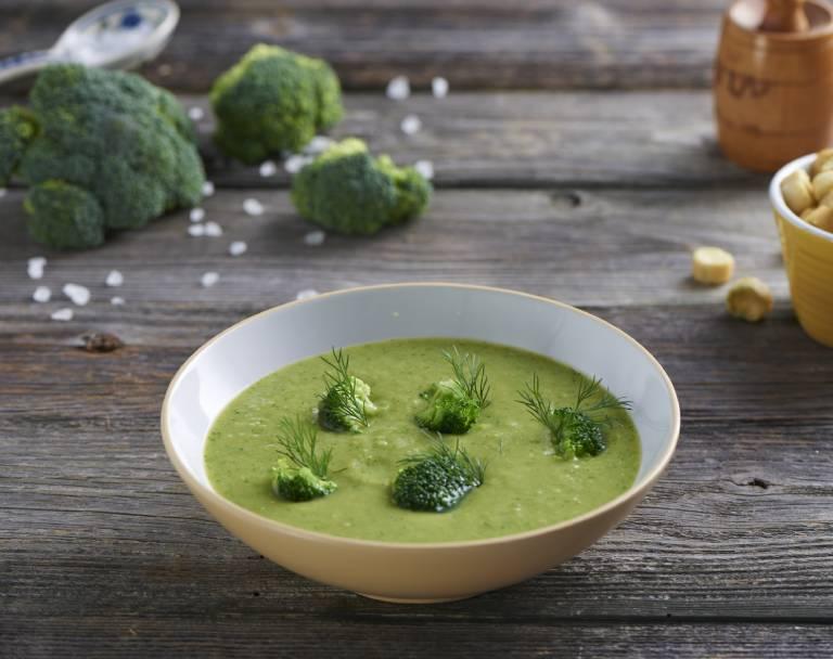 Zupa krem z brokułów z grzankami czosnkowymi