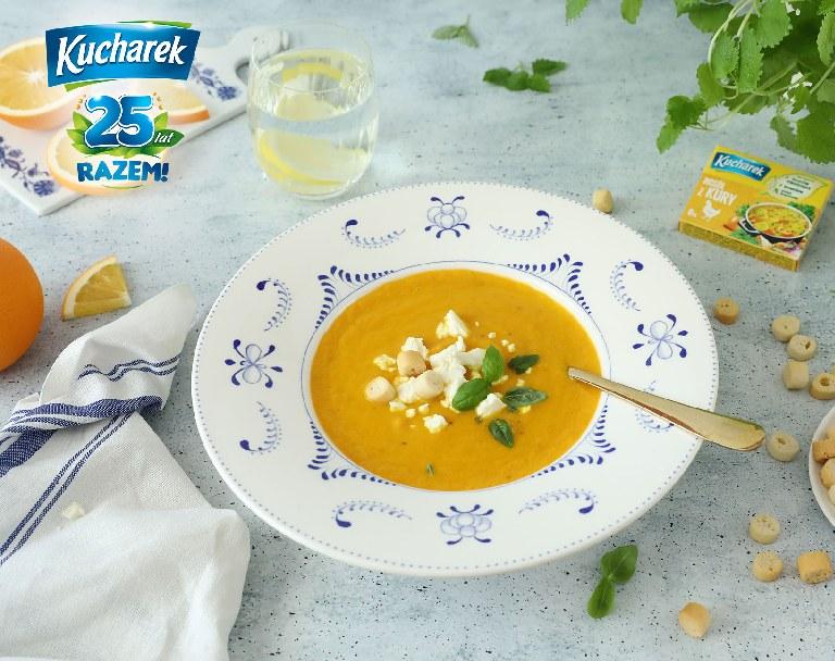 Zupa krem z marchewki z pomarańczą i serem feta